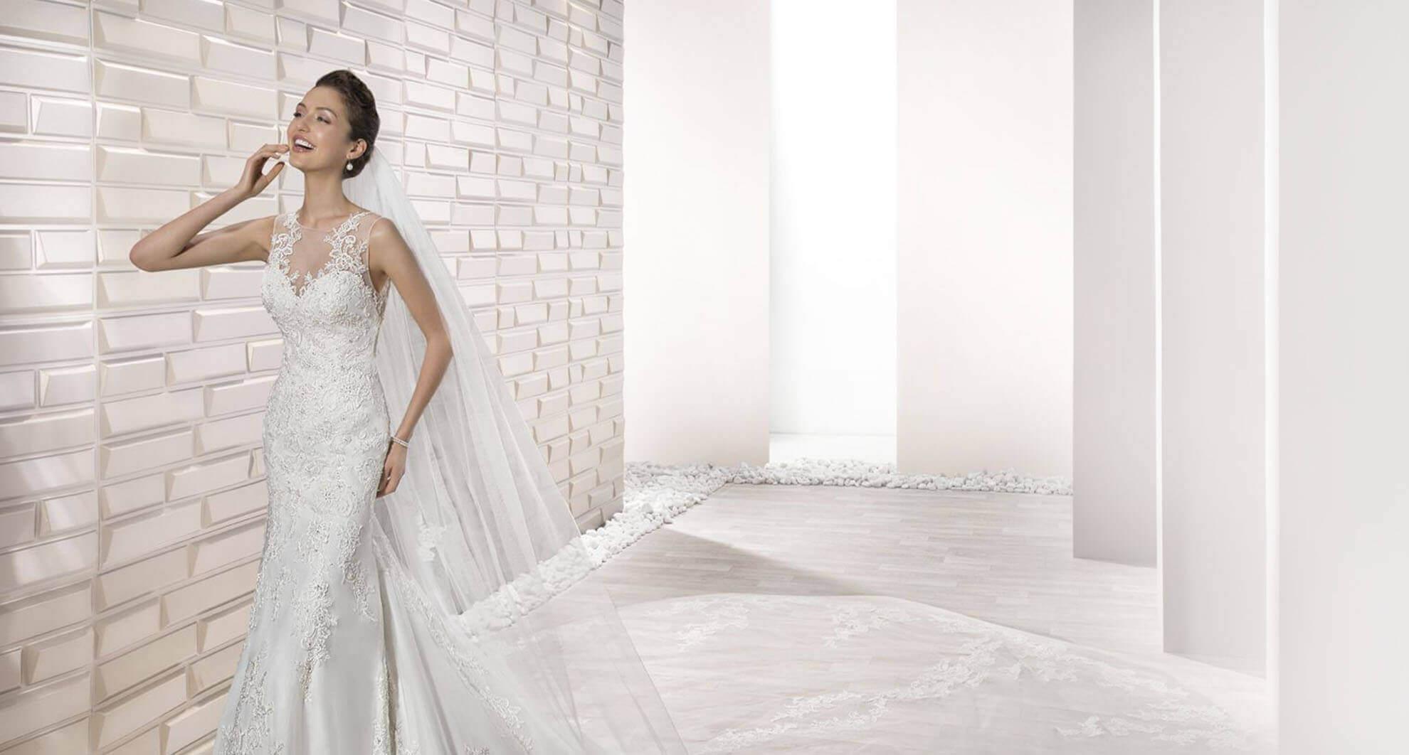 Korte Bruidsjurken 2019.Aphrodite Bruidsmode Unieke Bruidsjurken Trouwpakken